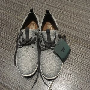 NWT Tom's Del Rey sneakers